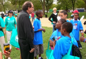 R.L. Stine with children at the 2008 National Book Festival
